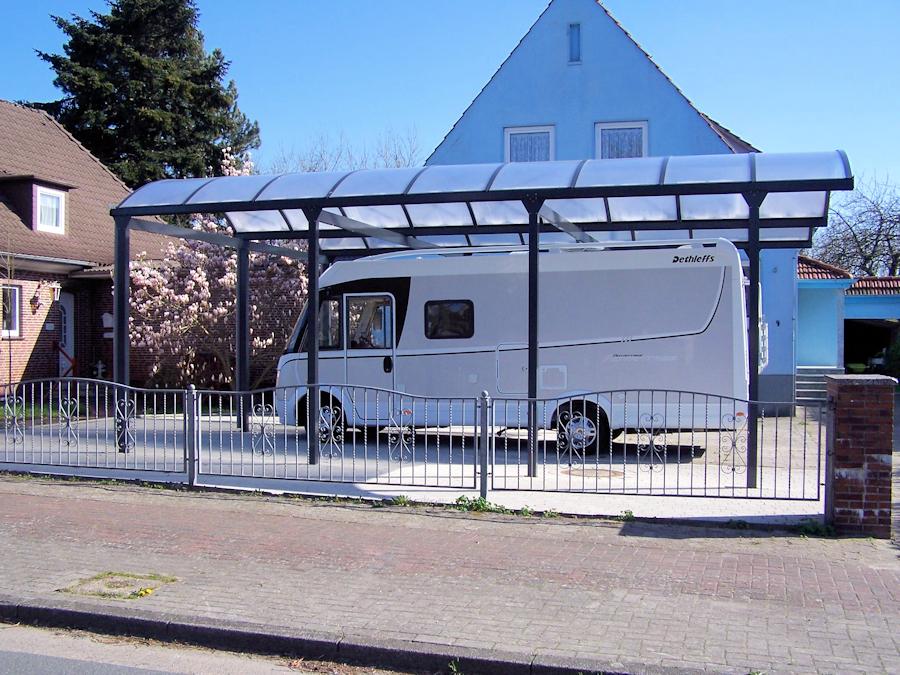 Seitenansicht Typ N Wohnmobil Doppelcarport aus Aluminium