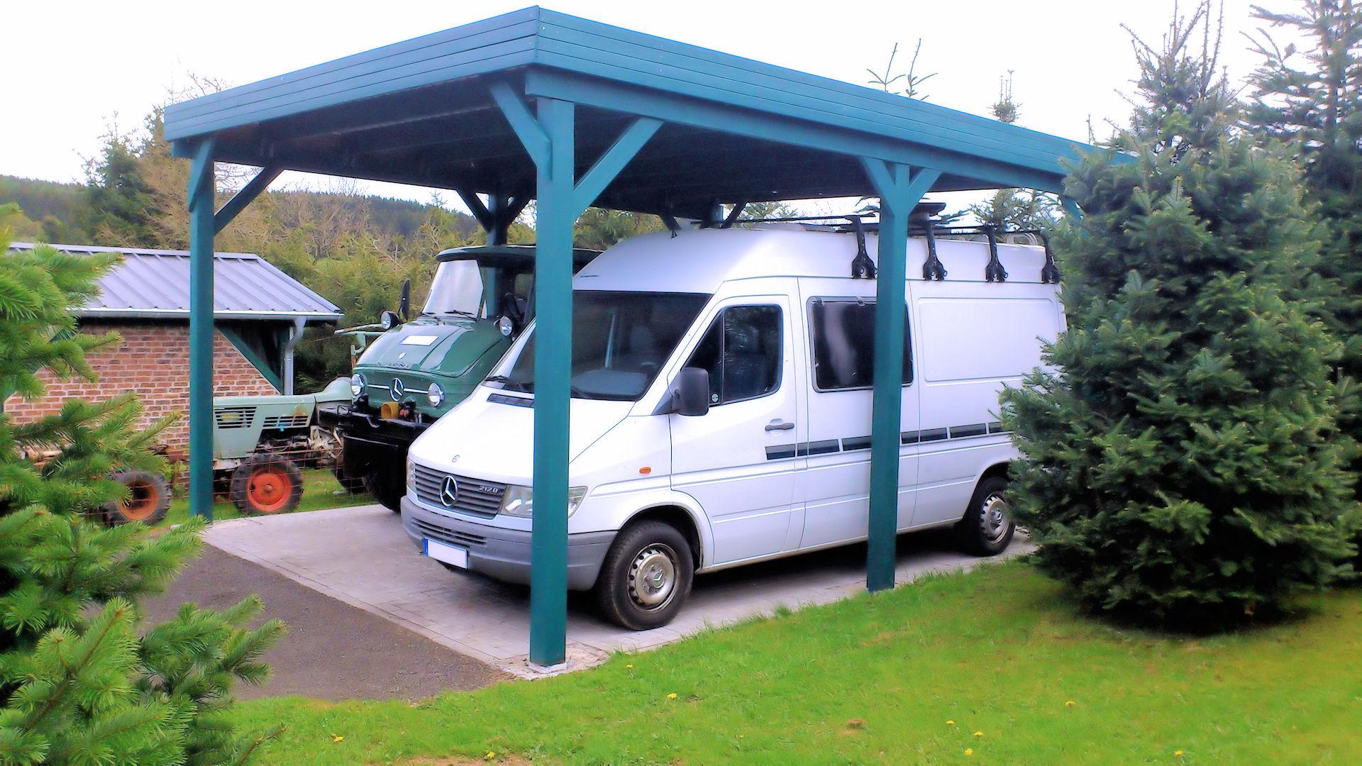 HD Wohnmobilcarport aus Holz - bauseitig grün lasiert