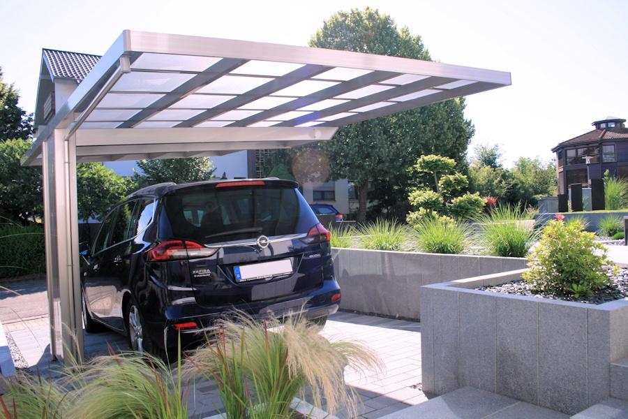 Aluport Monaco Designcarport als Einzelcarport mit Pfosten einseitig
