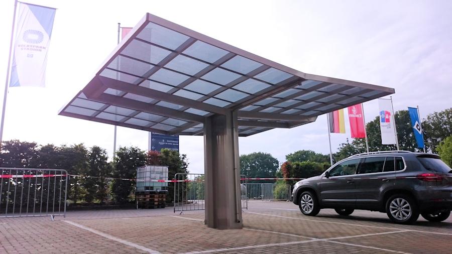 Doppelcarport AluPort Monaco auf dem VIP-Parkplatz Volksparkstadion Hamburg