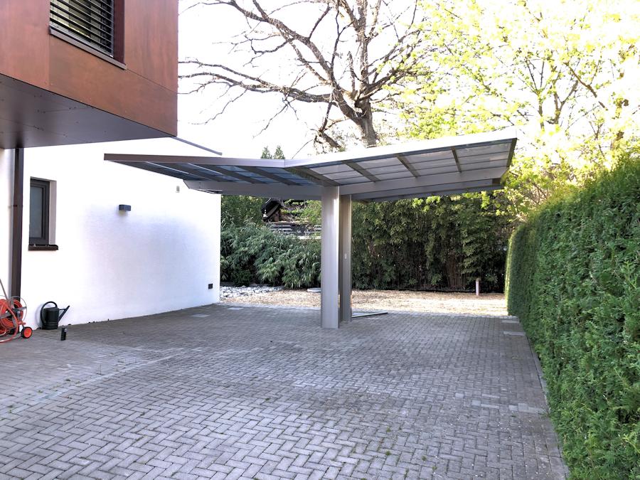 "Design-Carport AluPort Monaco Als Doppelcarport mit ""einem Pfosten"""