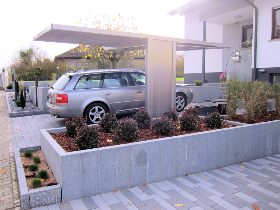 Design-Carport AluPort Monaco - eloxiert in Silbergrau - Flaches Dach