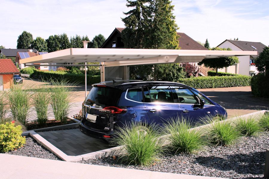 Design-Carport AluPort Monaco - eloxiert in Silbergrau - schwebendes Dach