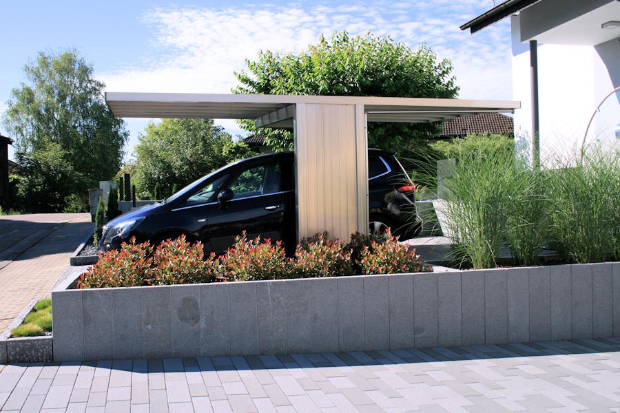 Design-Carport AluPort Monaco - eloxiert in Silbergrau