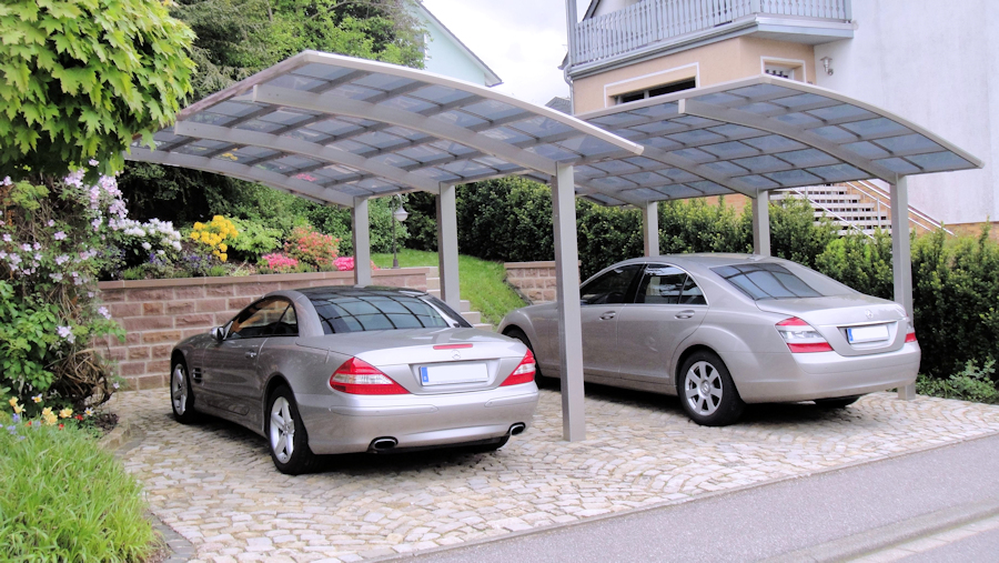 Perfekte Kombination - zwei Single-Carports AluPort Nagoya
