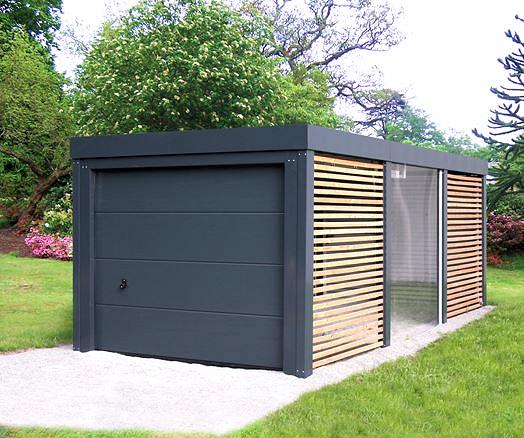 Carport aus Stahl mit Garagentor und Wänden geschlossen
