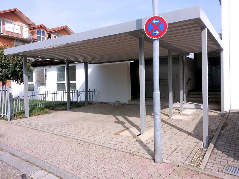 Stahlcarport mit Eingangsüberdachung Zuwegüberdachung