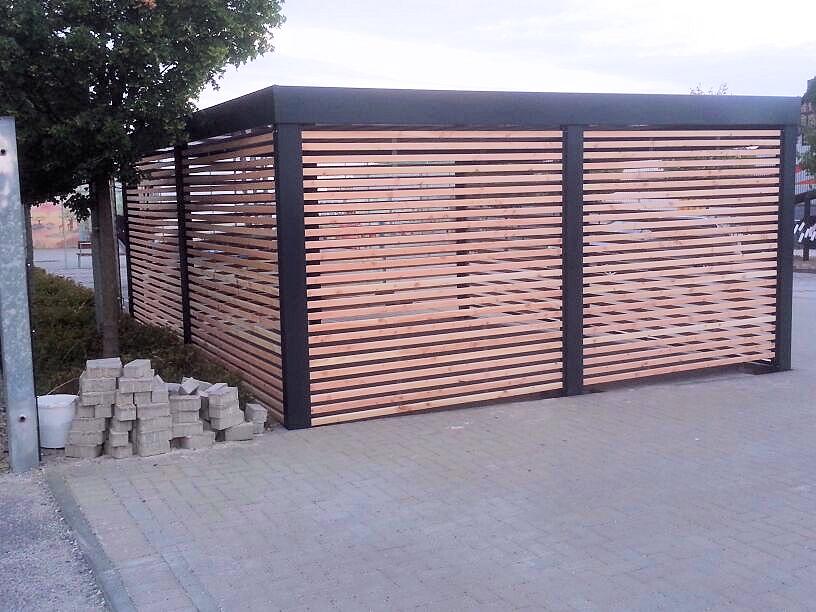 Lamellen-Sichtschutz für Carports aus Stahl