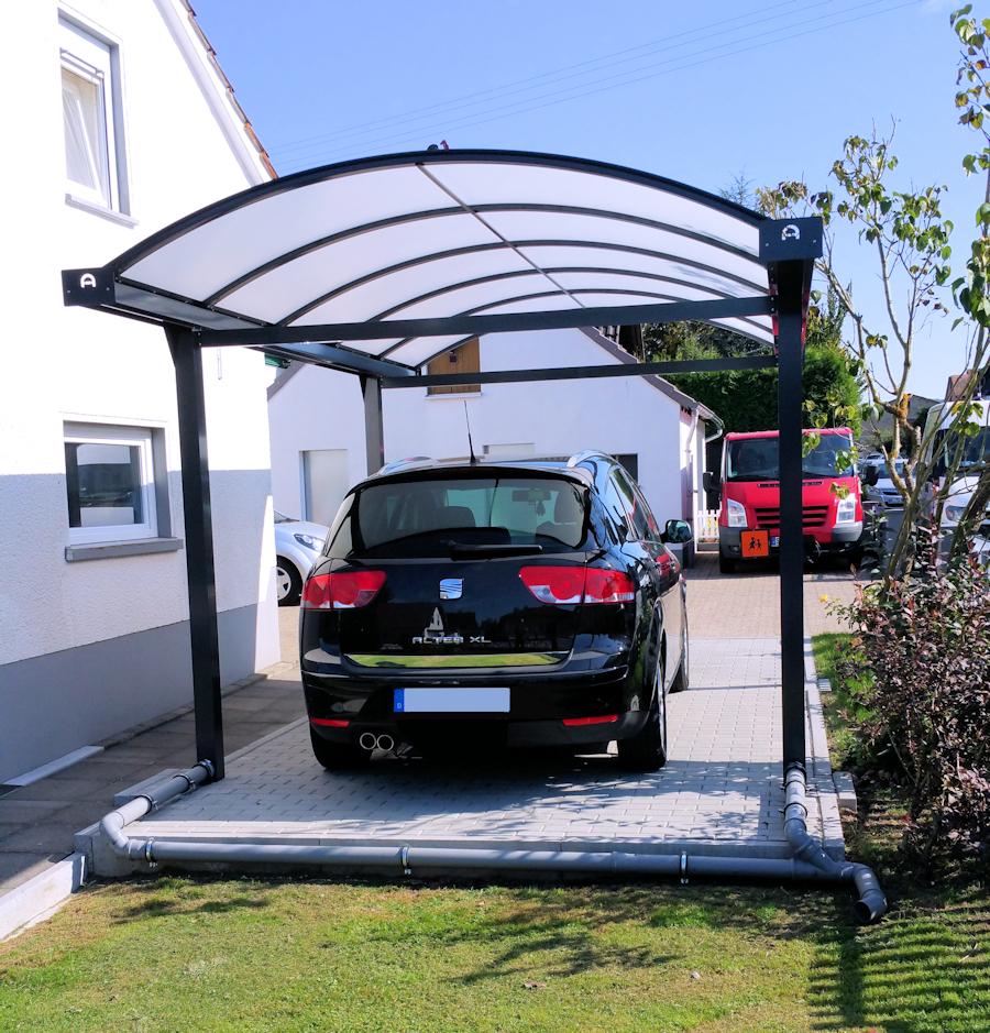 Carport mit Bogendach in Anthrazit